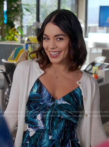 Emily's v-neck leaf print dress on Powerless
