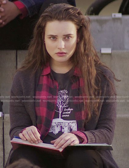 Hannah's Broken Social Scene tree t-shirt on 13 Reasons Why