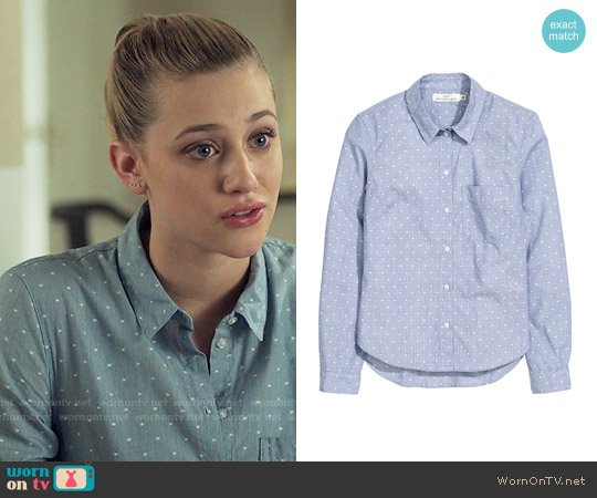 H&M Cotton Shirt in Light Blue / Dotted worn by Betty Cooper (Lili Reinhart) on Riverdale