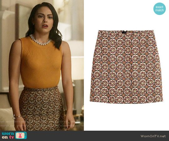 H&M Patterned Skirt in Light Beige/Patterned worn by Veronica Lodge (Camila Mendes) on Riverdale