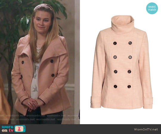 H&M Short Coat in Powder Pink worn by Tiera Skovbye on Riverdale