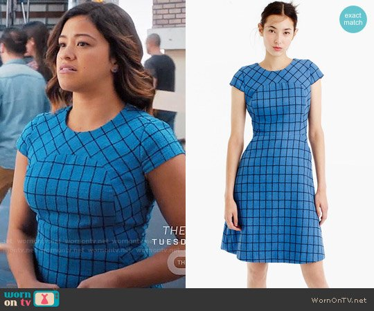J. Crew A-line dress in windowpane tweed worn by Jane Villanueva (Gina Rodriguez) on Jane the Virgin