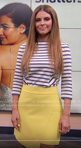 Maria's blue striped top and yellow skirt on E! News