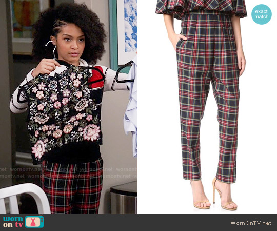 Petersyn Connery Pleated Pants worn by Zoey Johnson on Blackish