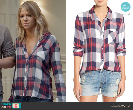 Rails Hunter Shirt in White / Indigo / Blush worn by Kaitlin Olson on The Mick