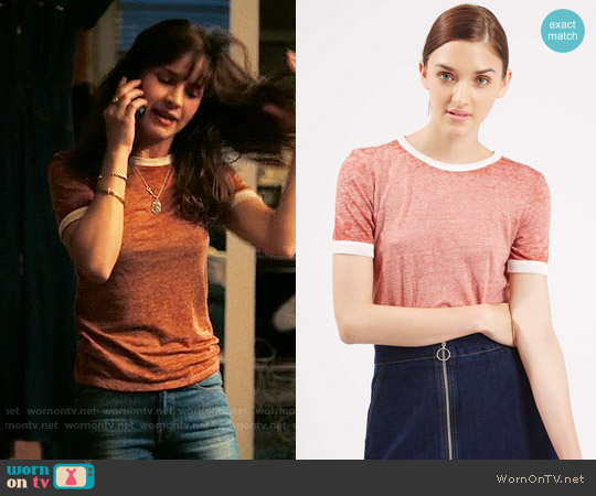 Topshop Burnout Contrast Tee worn by Sophia Marlowe (Britt Robertson) on Girlboss