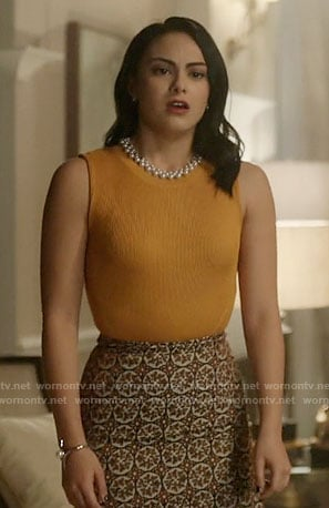 Veronica's yellow top and patterned skirt on Riverdale