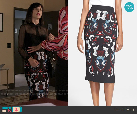 ALC Haley Skirt worn by Nina Devon (Perrey Reeves) on Famous in Love