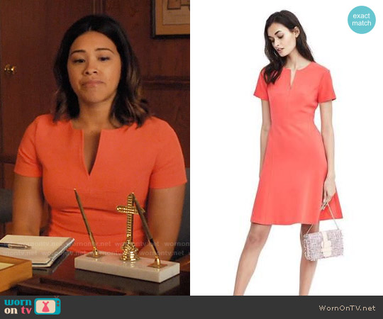 Banana Republic Short-Sleeve A-Line Vee Neck Dress worn by Gina Rodriguez on Jane the Virgin