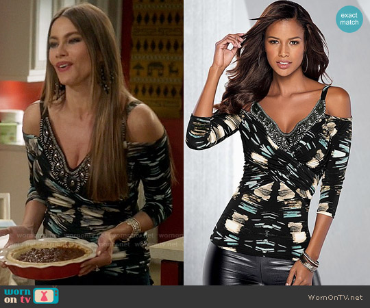 Venus Printed Cold Shoulder Top worn by Sofia Vergara on Modern Family