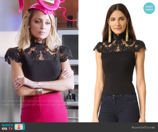 Alice + Olivia Dandi Lace Top worn by Nicole Richie on Great News