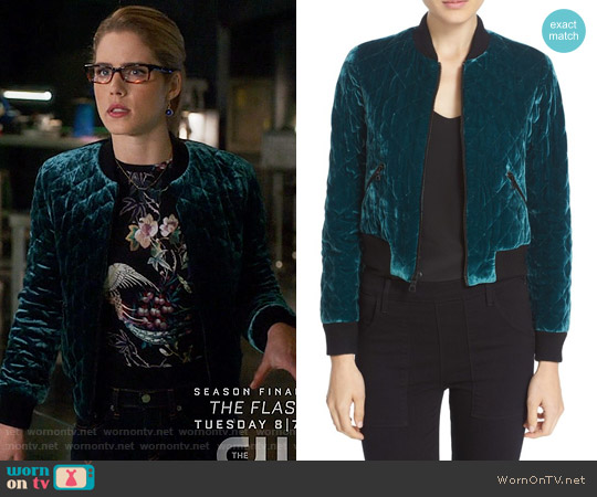 Alice + Olivia Delaina Top worn by Felicity Smoak (Emily Bett Rickards) on Arrow