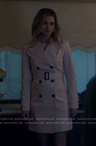 Betty's pink trench coat on Riverdale