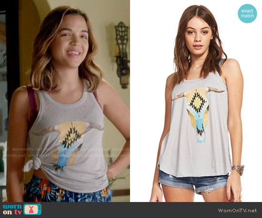 Chaser Santa Fe Cow Skull Tank worn by Cassandra (Georgie Flores) on Famous in Love