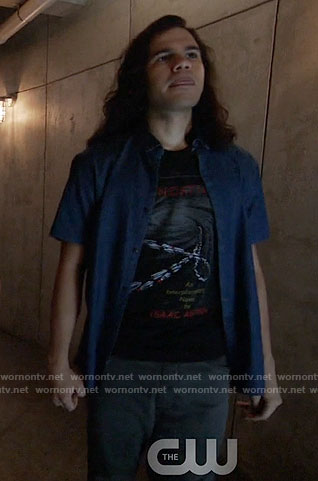 Cisco's black FOUNDATION graphic tee on The Flash