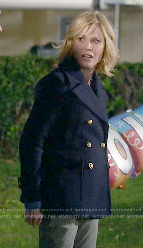 Claire's navy peacoat on Modern Family