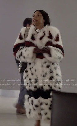 Cookie's white leopard fur coat on Empire