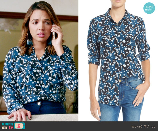 Equipment Star Print Slim Signature Silk Shirt worn by Cassandra (Georgie Flores) on Famous in Love