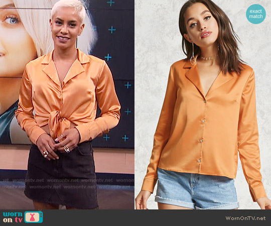 Forever 21 Satin Button Down in Orange worn by Sibley Scoles  on E! News
