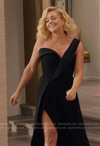 Jacqueline's black one-shoulder gown on Unbreakable Kimmy Schmidt