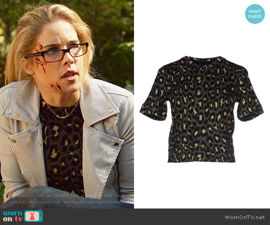 Marc by Marc Jacobs Leopard Sweater worn by Felicity Smoak (Emily Bett Rickards) on Arrow
