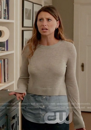Peyton's grey layered sweater on iZombie