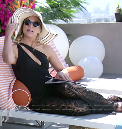 Phyllis's black one-shoulder swimsuit on The Young and the Restless