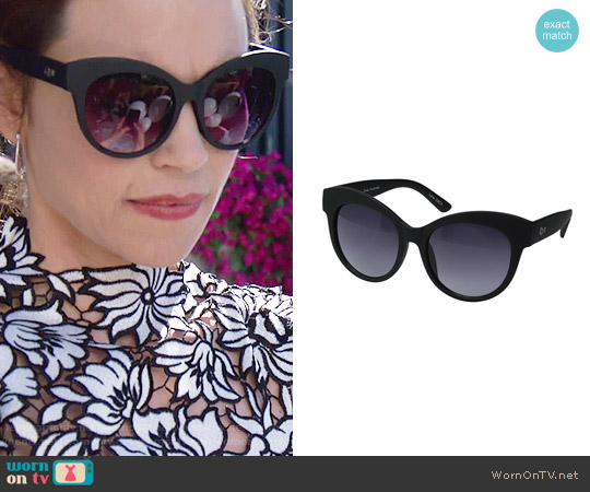 Quay Maiden Sunglasses worn by Victoria Newman on The Young & the Restless