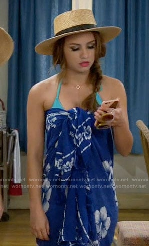 Sophia's blue Hawaiian print sarong on Young and Hungry