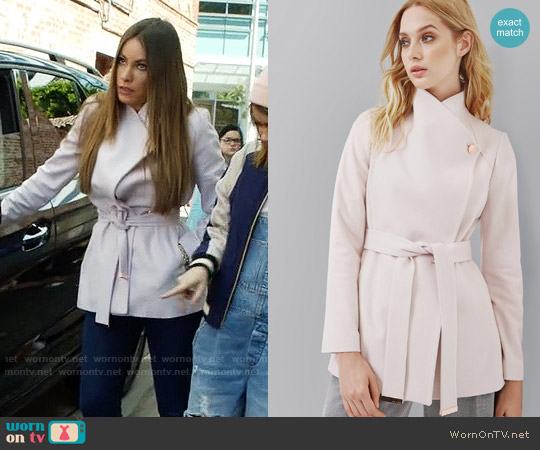 Ted Baker Elika Coat worn by Sofia Vergara on Modern Family