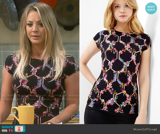 Ted Baker Lost Garden Fitted T-shirt worn by Kaley Cuoco on The Big Bang Theory