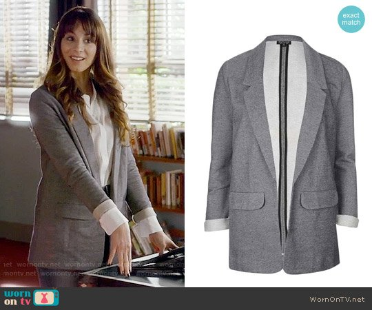 Topshop 'Emery Tonic' Oversized Boyfriend Blazer worn by Troian Bellisario on PLL