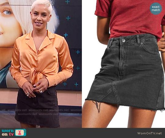 Topshop Raw Hem Denim Miniskirt worn by Sibley Scoles on E! News