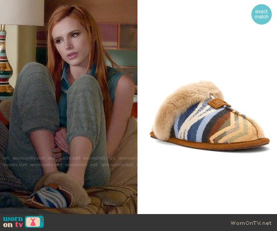 Ugg Scuffette Pendleton Chestnut Slipper worn by Paige Townsen (Bella Thorne) on Famous in Love