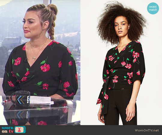 Zara Floral Print Crossover Top worn by Carissa Loethen Culiner on E! News