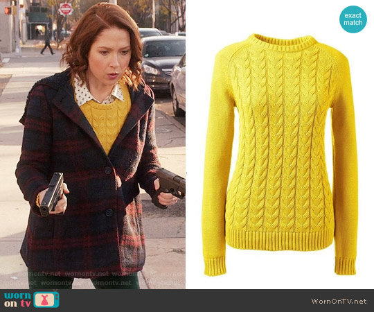 Lands End Drifter Cable Knit Sweater worn by Ellie Kemper on Unbreakable Kimmy Schmidt