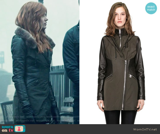 worn by Clary Fray (Katherine McNamara) on Shadowhunters