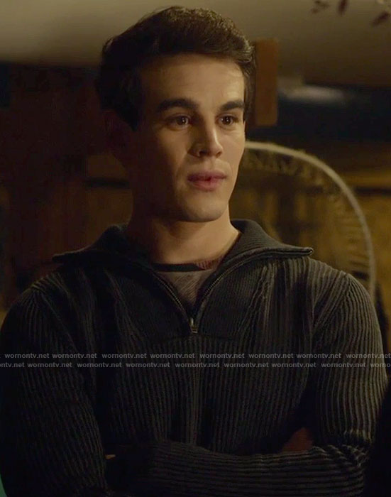 Simon's black half-zip sweater on Shadowhunters