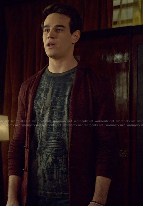 Simon's grey dyed t-shirt and red jacket on Shadowhunters