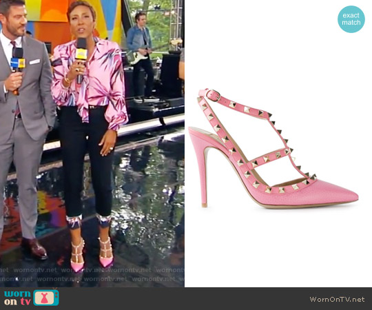 'Rockstud' pumps by Valentino worn by Robin Roberts on Good Morning America