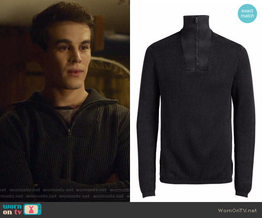 Jorarnold Half-Zip High-Neck Sweater by Jack & Jones worn by Simon Lewis (Alberto Rosende) on Shadowhunters