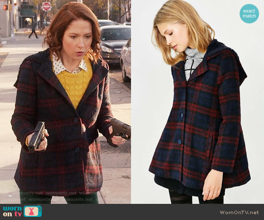 BB Dakota Kellen Plaid Sherpa-Hood Jacket worn by Kimmy Schmidt (Ellie Kemper) on Unbreakable Kimmy Schmidt