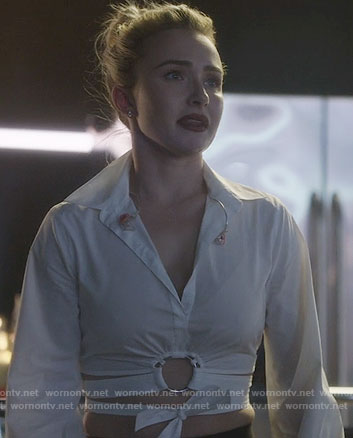 Juliette's white tie front cropped shirt on Nashville