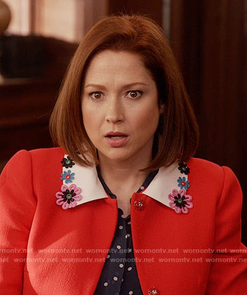 Kimmy's red coat with floral collar on Unbreakable Kimmy Schmidt