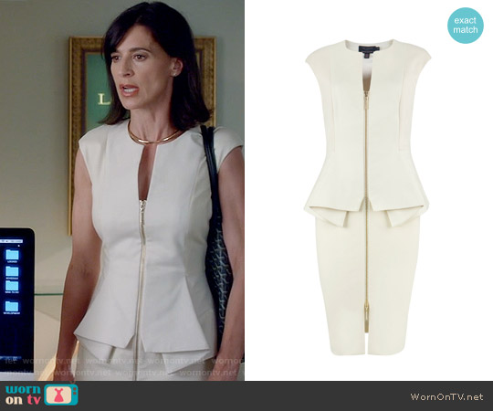 Ted Baker Jamthun Dress in White worn by Perrey Reeves on Famous in Love