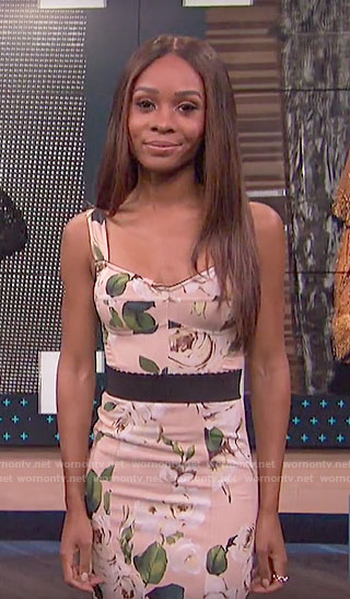 Zuri's beige rose print dress on E! News