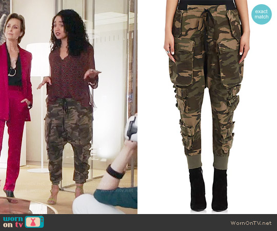 Ben Taverniti Unravel Project Camouflage Cotton-Blend Cargo Pants worn by Kat Edison on The Bold Type
