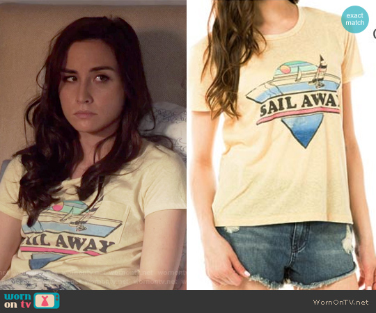 Sail with Me Short Sleeve T shirt by Billabong worn by Allison Scagliotti on Stitchers