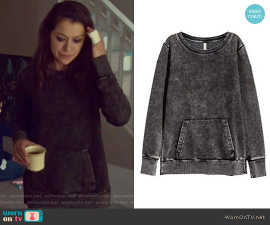 Sweatshirt by H&M worn by Sarah Manning (Tatiana Maslany) on Orphan Black