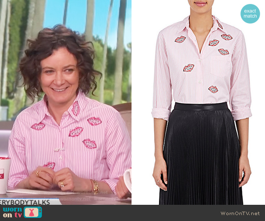 Lips Cotton Poplin Shirt by Jimi Roos worn by Sara Gilbert (Sara Gilbert) on The Talk